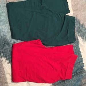 2 pair Torrid Leggings 2 2x green red